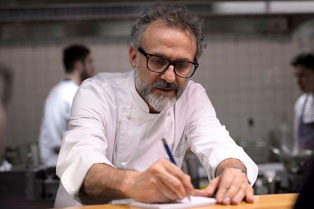 """Massimo Bottura: """"Abbiamo rispettato le regole, tanti si sono indebitati. Le mie 5 idee per salvare i ristoranti"""""""