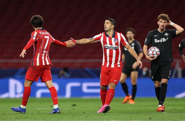 Luis Suárez felicita a Joao Félix tras