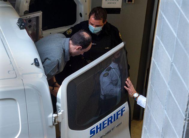 Matthew Vincent Raymond arrive à la Cour pour l'ouverture de son procès pour meurtre à...