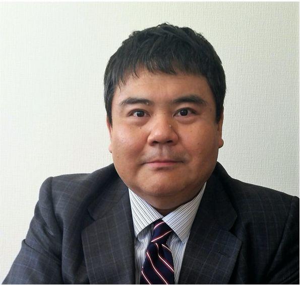 前嶋和弘教授