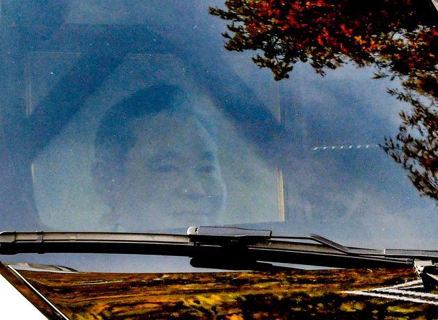 故 이건희 삼성그룹 회장 발인식이 열린 28일 오전 서울 강남구 삼성서울병원 장례식장에서 고인의 운구차량 앞 조수석에 고인의 영정이 보이고