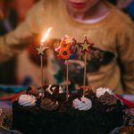 Mamma positiva organizza festa per il figlio: la nonna di un amichetto si contagia e