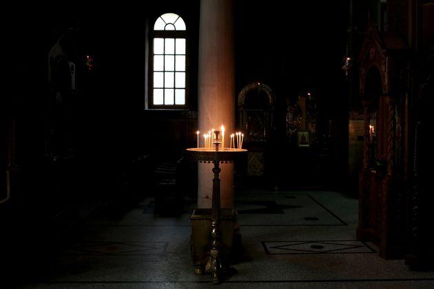 Εκκλησίες και πανδημία: Τα παιδιά του Θεού που περιφρονούν το δώρο της