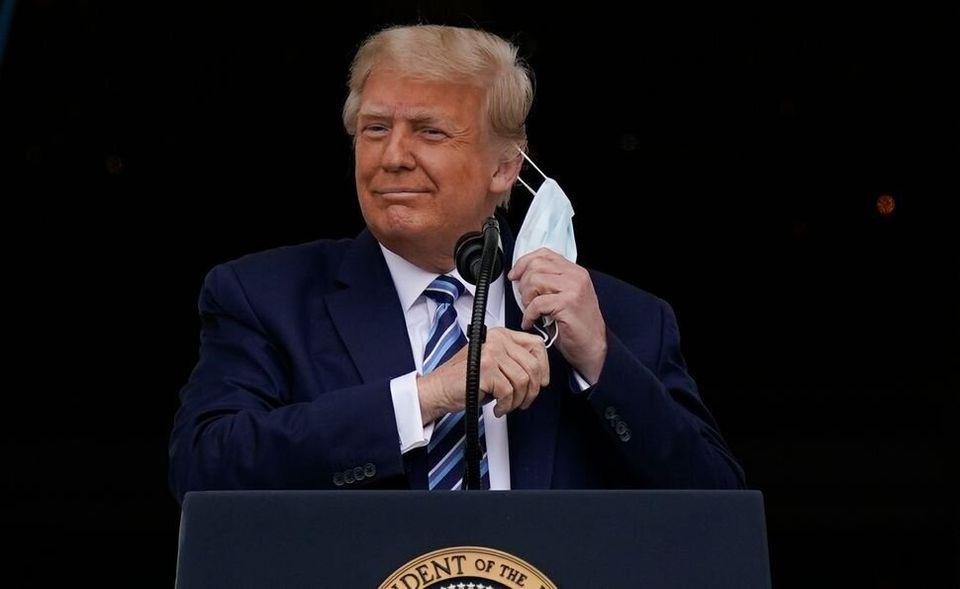 Donald Trump a toujours refusé le port du masque pour endiguer la propagation du