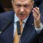 Πώς επιδρούν οι αυθαιρεσίες Ερντογάν σε λίρα και τουρκική