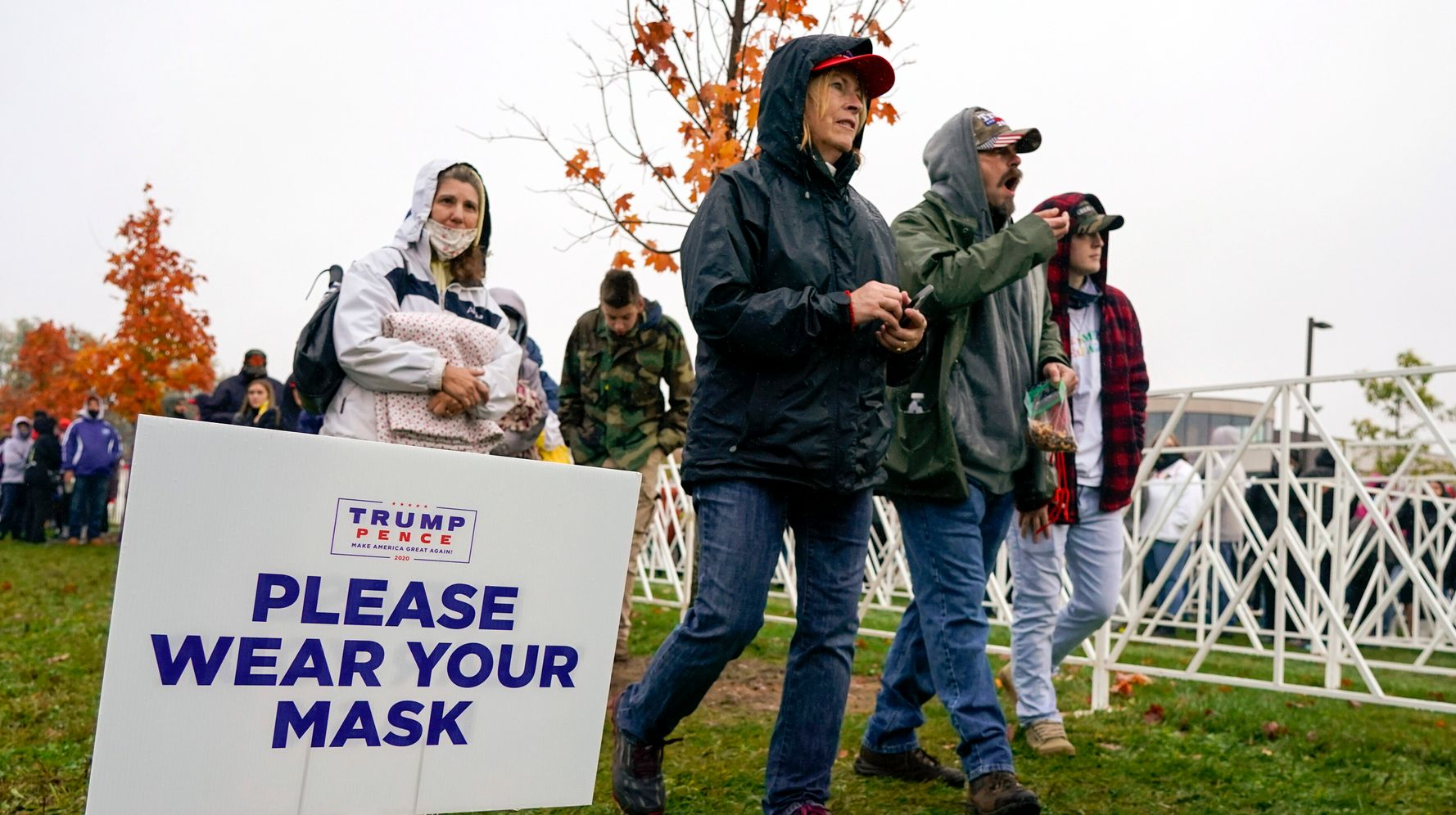 Poll: Voters Give Trump A Poor Preelection Verdict On Handling Of COVID-19 Pandemic
