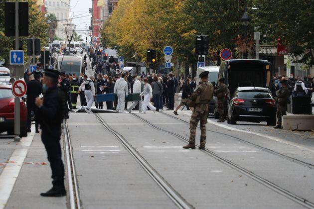 Διεθνής καταδίκη της επίθεσης στη Νίκαια - Μητσοτάκης: «Είμαστε