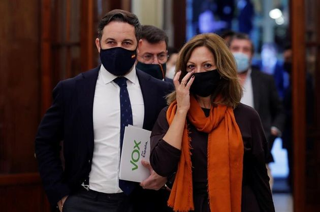 El presidente de Vox, Santiago Abascal, y la diputada María de los Reyes Romero, en el Congreso este...