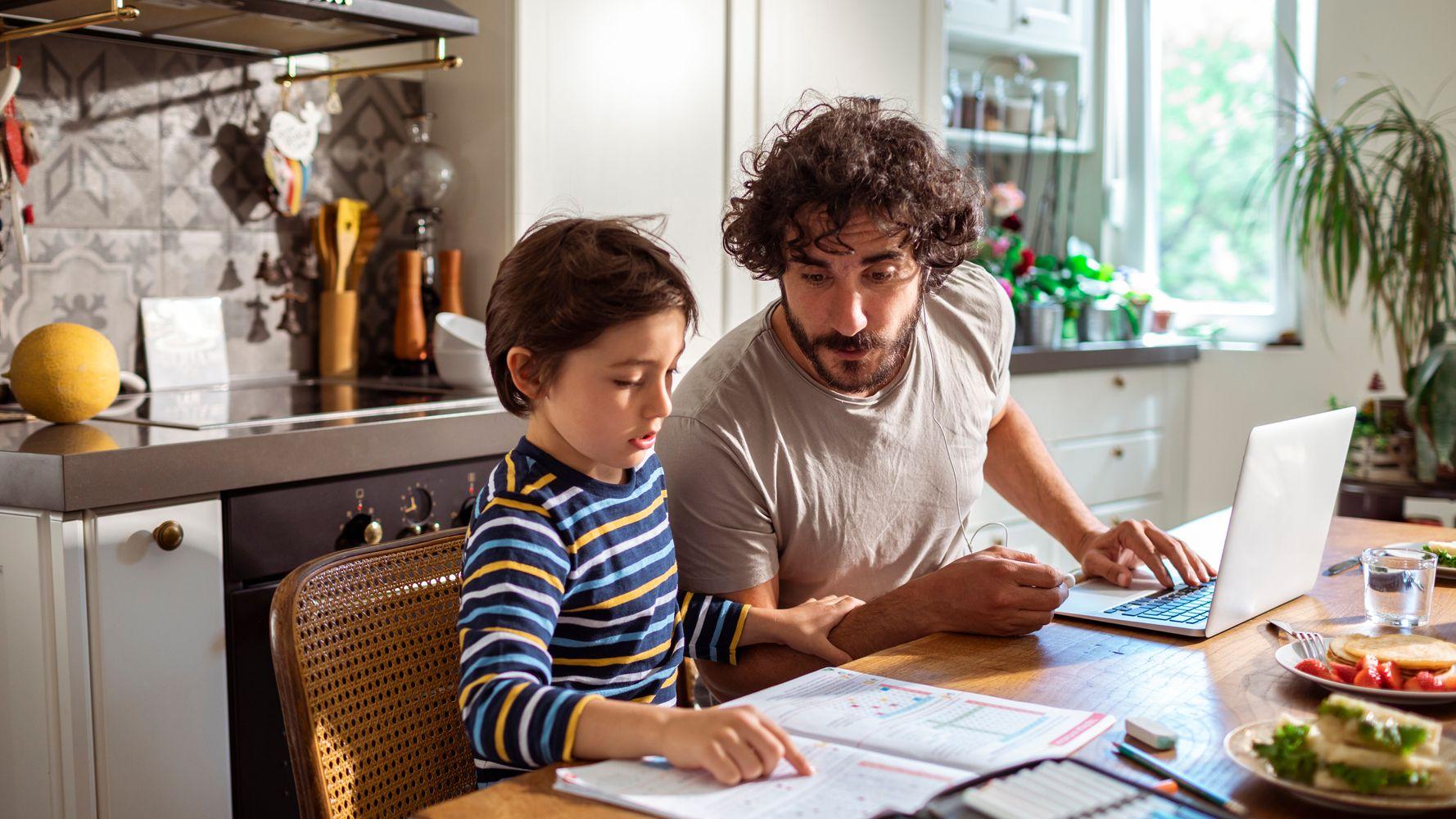 """""""À mon fils non scolarisé, qui s'inquiète comme moi du désir d'Emmanuel Macron de rendre illégale la liberté d'instruction"""""""