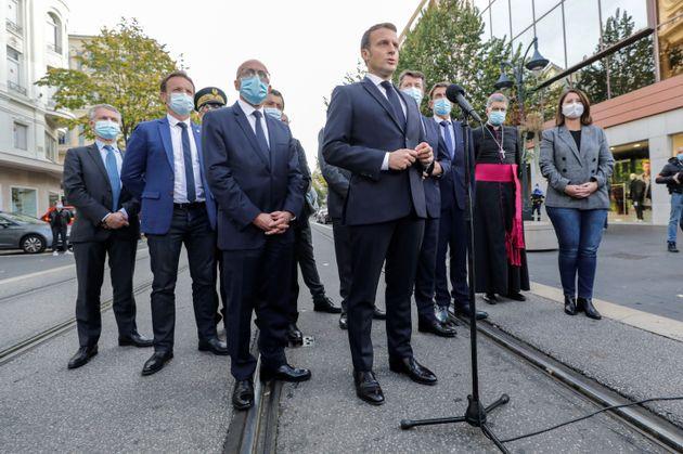 Μακρόν: Η Γαλλία δέχεται