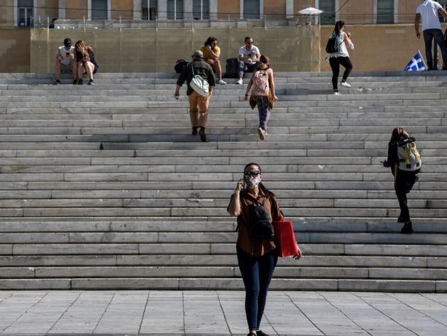 Στα 1.211 τα νέα κρούσματα του κορονοϊού στη χώρα και 12 νέοι