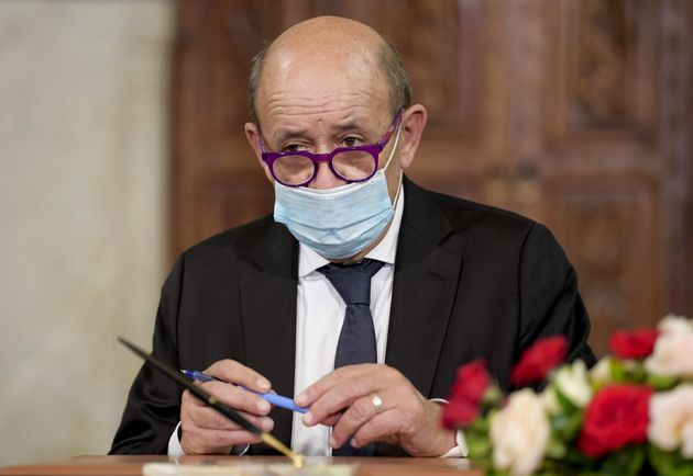 Le ministre des Affaires étrangères, Jean-Yves Le Drian, à Tunis le 22 octobre