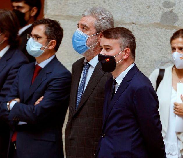 Bolaños, Miguel Ángel Rodríguez, Iván Redondo y Susana Reverter siguen la comparecencia de Sánchez y