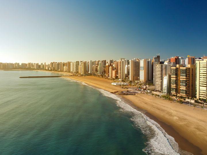 A cidade mais buscada pelos brasileiros no Decolar é Fortaleza, capital do Ceará.