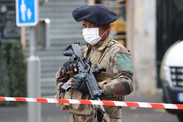 프랑스 니스 한 교회에서 흉기 테러가 일어나 3명이