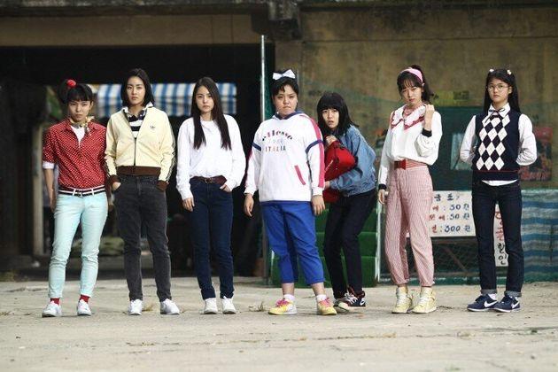 영화 '써니' 스틸컷. 왼쪽부터 박진주, 강소라, 민효린, 김민영, 심은경, 김보미,