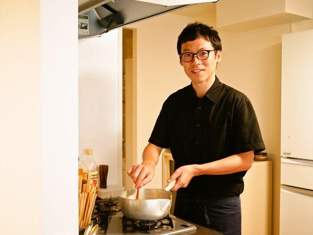 「白ごはん.com」の冨田ただすけさんが、料理をつくる人になるまで。