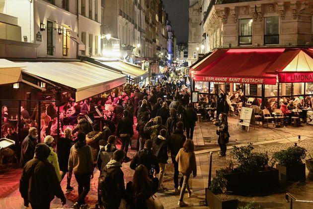 Διαδηλώσεις, συνωστισμός και μποτιλιάρισμα-ρεκόρ στη Γαλλία πριν το