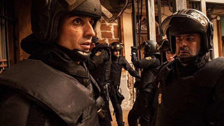 Raúl Prieto y Roberto Álamo en 'Antidisturbios'.