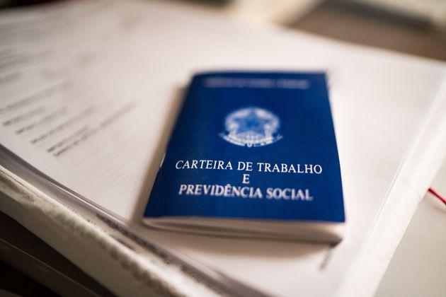 Desemprego atinge 13,8 milhões de brasileiros em trimestre concluído em agosto de