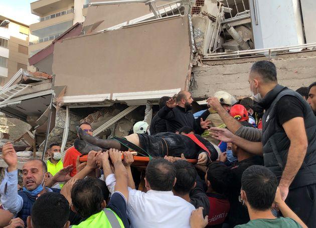 Φωτογραφία από τον σεισμό στην Σμύρνη.