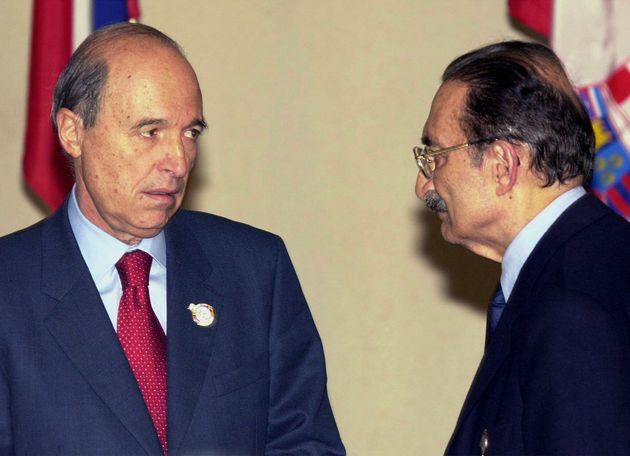 Οι δύο πρωθυπουργοί την περίοδο εκείνη, Κώστας Σημίτης και Μπουλέντ Ετζεβίτ.