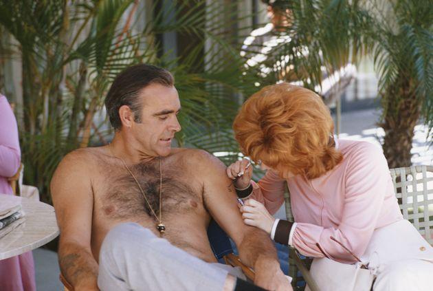 Sean Connery em filmagem de Os Diamantes São Eternos, da saga de 007, em