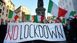 Cortei a Roma contro il lockdown, disordini e scontri con la