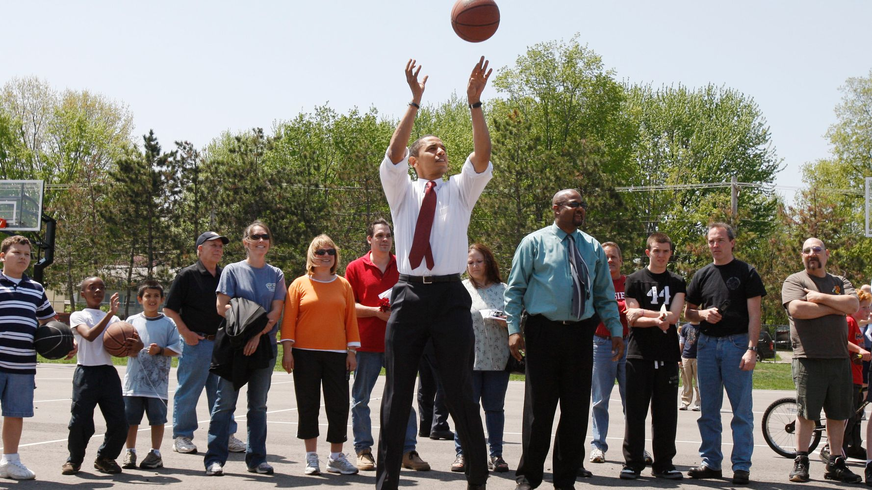 'All Cash': LeBron James Hails Barack Obama's Smooth 3-Pointer Before Michigan Rally