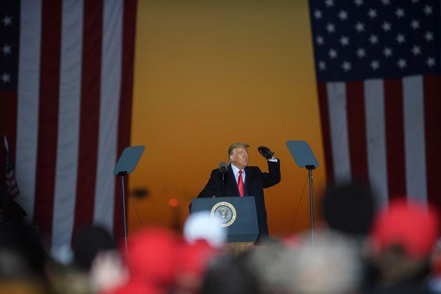 Τραμπ vs Μπάιντεν: Τα προγνωστικά, το debate και ο ρόλος του Covid