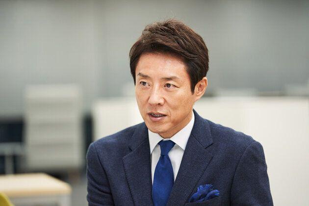 インタビューに答える松岡修造さん。