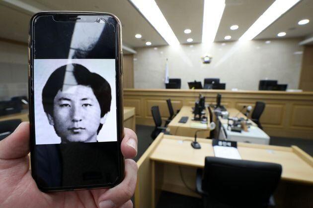 이춘재가 증인으로 출석한 경기도 수원시 영통구 수원지방법원 501호