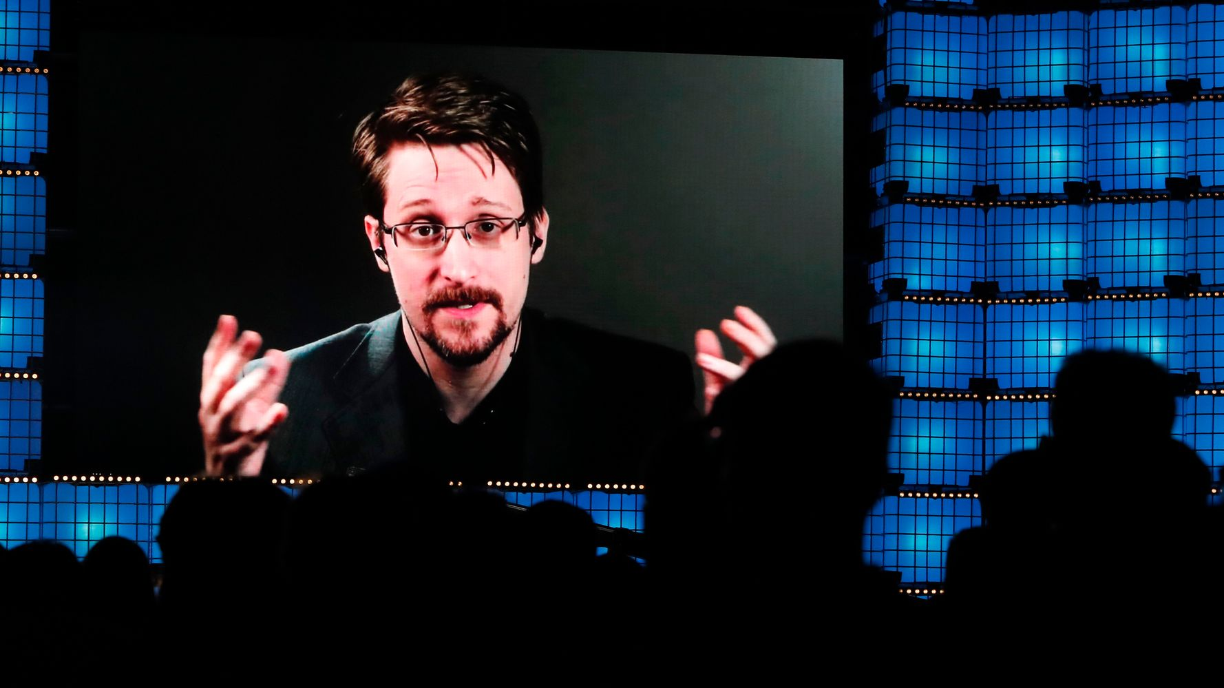 Edward Snowden Says He Plans To Apply For Russian Citizenship