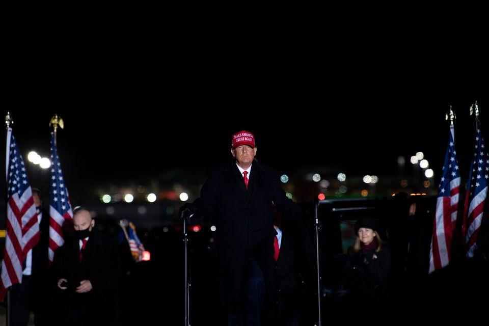트럼프 대통령은 4년 전처럼 선거운동 마지막 유세 장소로 미시간주 그랜드래피즈를 선택했다. 이날 유세는 전날처럼 자정을 넘겨서 끝났다. 그랜드래피즈, 미시간주. 2020년