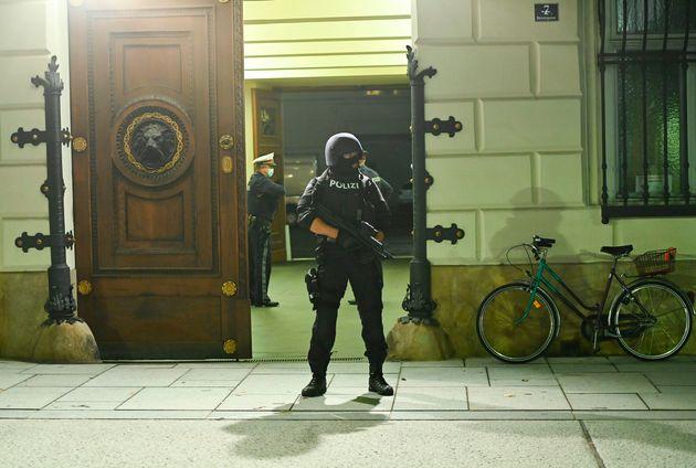 Βιέννη: Οπαδός του Ισλαμικού Κράτους ο νεκρός δράστης της τρομοκρατικής