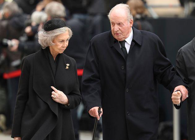 El rey Juan Carlos y la reina Sofía, en 2019, en el funeral de Juan de
