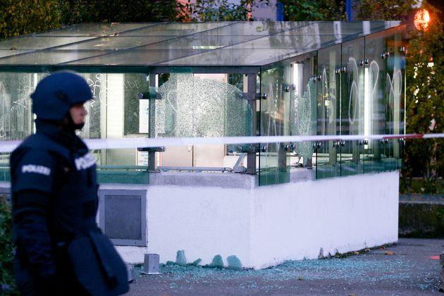 Καταδικασμένος για τρομοκρατία, πολίτης Αυστρίας και Β.Μακεδονίας ο δράστης της επίθεσης στη