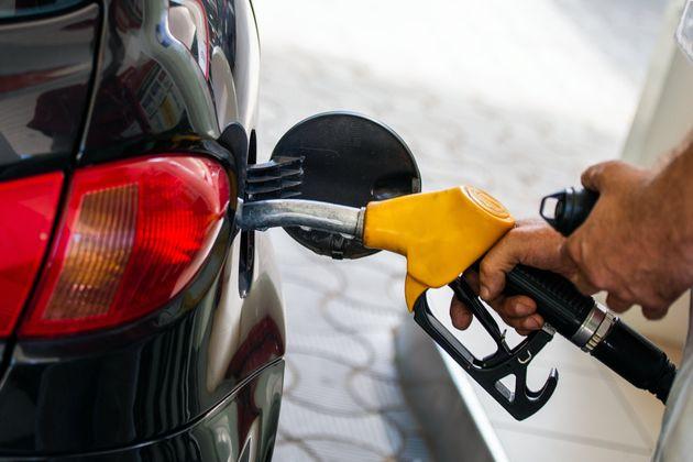 Κέρδη 13,3 εκατ. ευρώ οι εταιρείες πετρελαιοειδών – 3,7 δισ. στο ελληνικό
