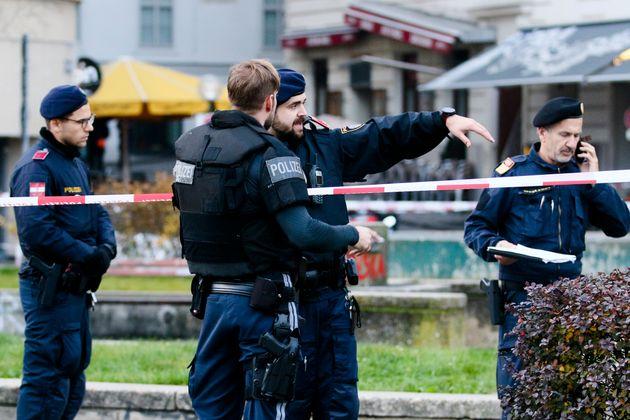 Αυστρία: 14 συλλήψεις για την αιματηρή τρομοκρατική επίθεση στη