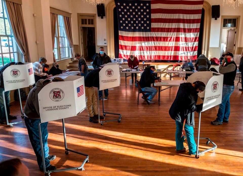 2020 미국대선 코로나19로 인해 예전과 다른 투표소의 각양각색 유권자들
