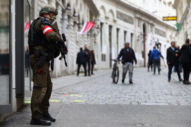 Βιέννη: Την ταυτοποίηση των θυμάτων της τρομοκρατικής επίθεσης ανακοίνωσε η