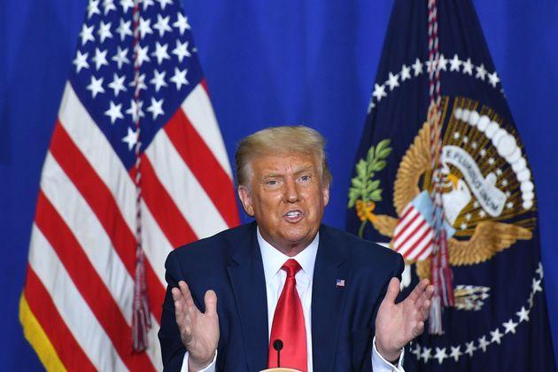 Dicho y hecho: Trump aseguró que haría trampas y está cumpliendo su