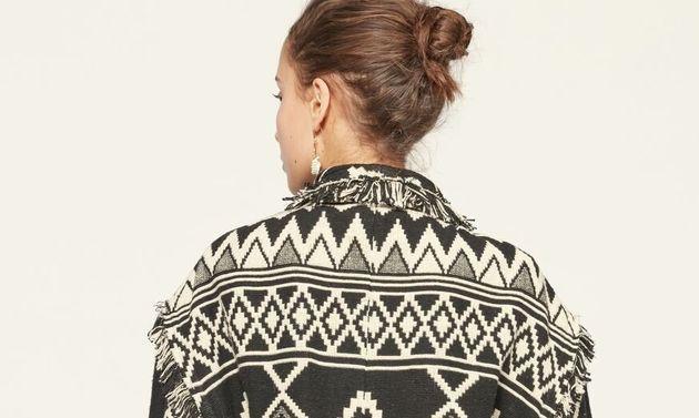 Un des manteaux de la collection d'Isabel Marant épinglée par le gouvernement mexicain,...