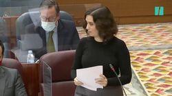 El incómodo momento de Ayuso con Aguado y dos consejeros en pleno debate en la Asamblea: su mirada lo dice
