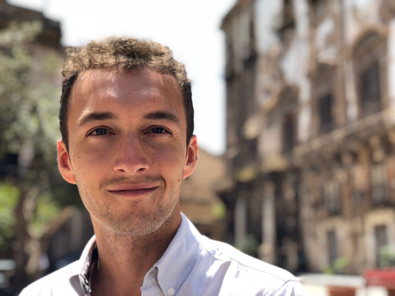 Marco De Rossi è il fondatore di WeSchool