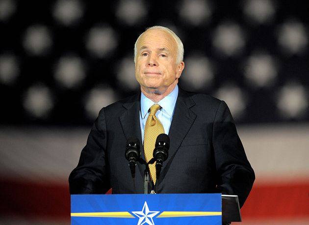 2008年の大統領選で敗北宣言をするジョン・マケイン氏