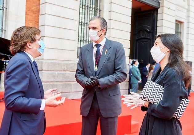 Almeida, Ortega Smith y Rocío