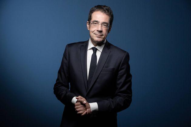 Le journaliste Darius Rochebin lors d'un shooting photo à Paris, le 14 septembre 2020. (Photographie...