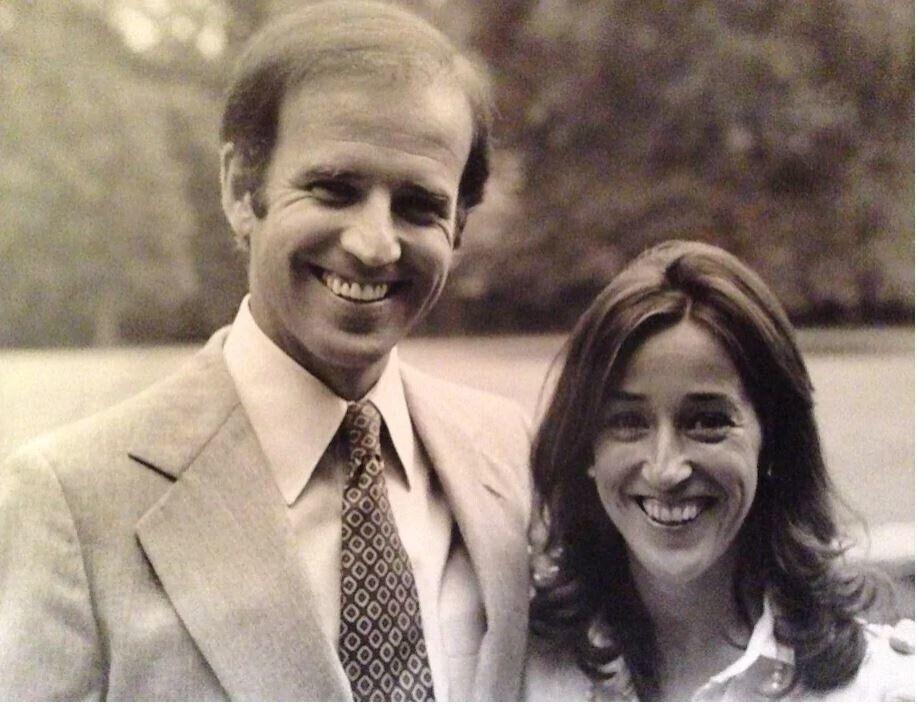 1970년대 초반 초선의 상원의원이던 조 바이든과 그의 여동생 밸러리 바이든