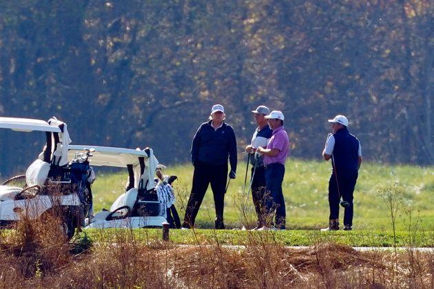 バイデン氏勝利が伝えられた日、トランプ大統領はゴルフ中だった(2020年11月7日)